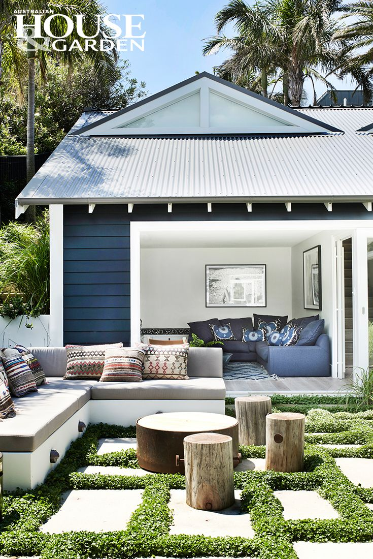 Outdoor room by Justine Hugh-Jones Design, Mosman, NSW & William Danger, Botany, NSW