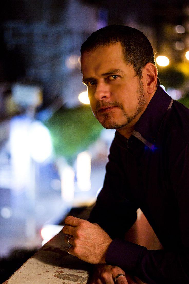 Tony en Balcón