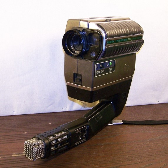 Vintage 1976 Kodak Ektasound 230 Movie Camera