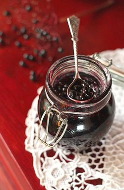 dżem z owoców czarnego bzu i marmolada z czarnego bzu i jabłek - samo zdrowie w słoiku