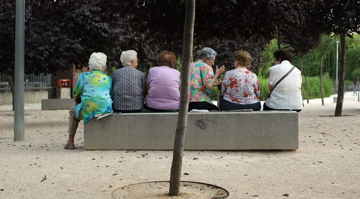 How Well Is Canada Dealing With Its Ageing Population? This article reviews the impact of the ageing population among Canadians, and what we can predict to see in the near future in regards to economic, social and health.