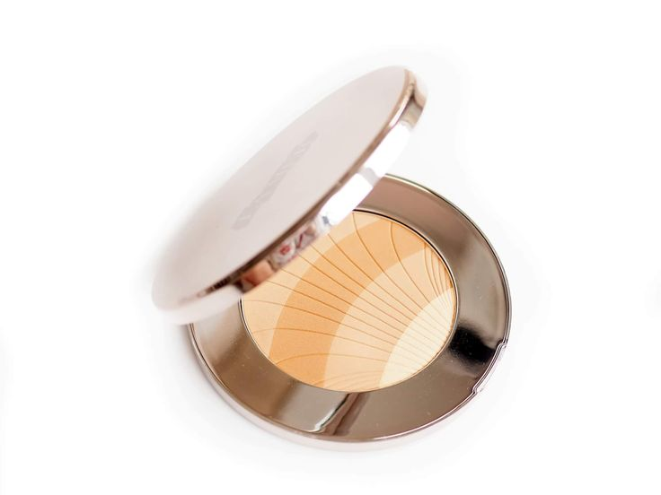 Najlepszy bronzer jaki mam! 👉 https://www.deliciousbeauty.pl #lamer #lamerthebronzingpowder #bronze #luxurymakeup #luxurylife #beautyproducts #highends #makeupproducts #bronzer #recenzjekosmetyczne #najlepszekosmetyki #blogerkaurodwa #beauty #beautyblogger #beautylover #beautytips #slave2makeup #makeup #makijaż #makeupgram #makeupmess #makeupaddicted #deliciousbeautypl