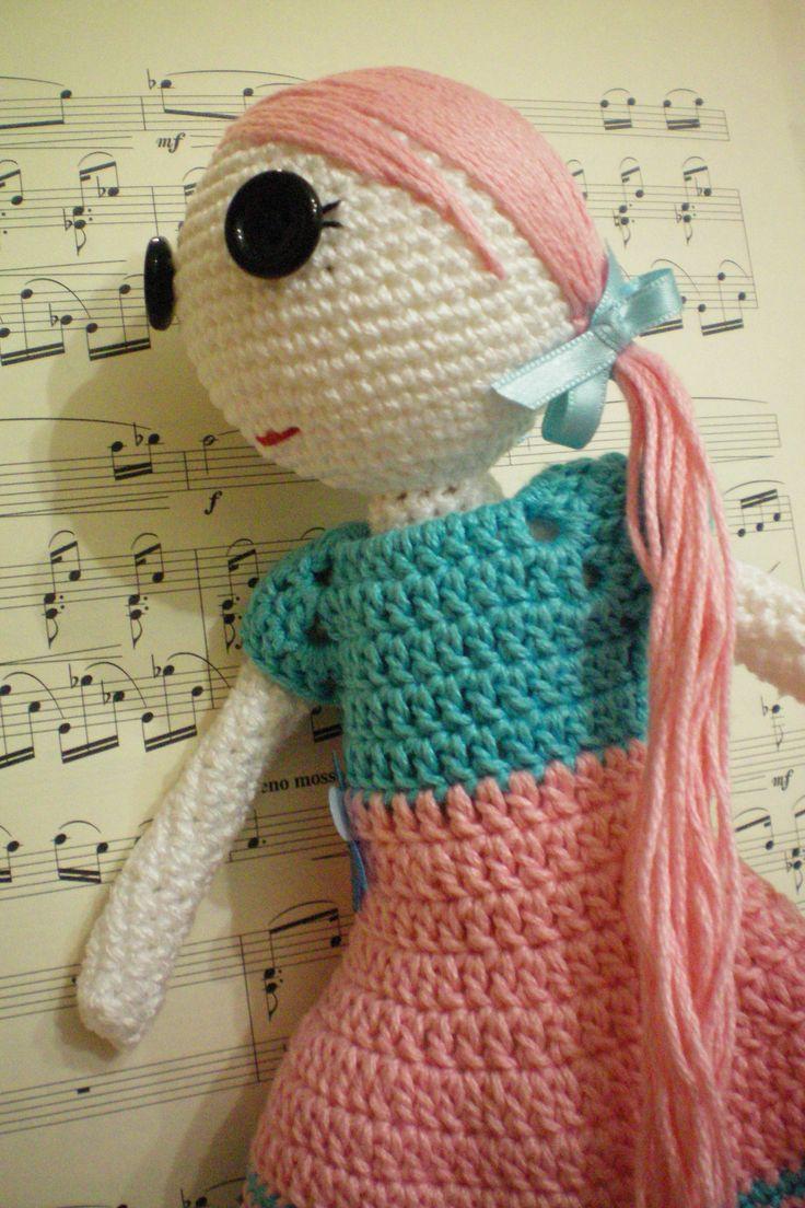 crochet doll: hand made 100%cotton yarn