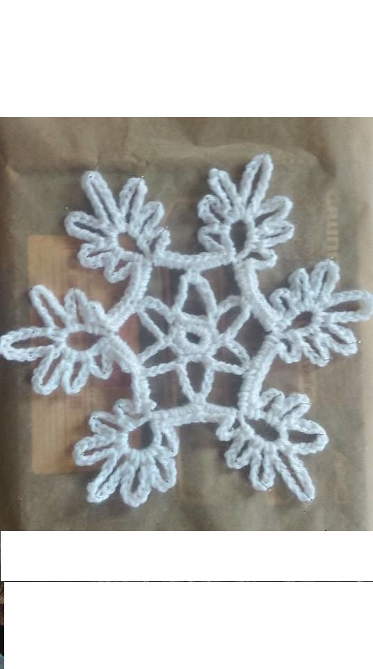 crochet snowflake ... it's so pretty :)