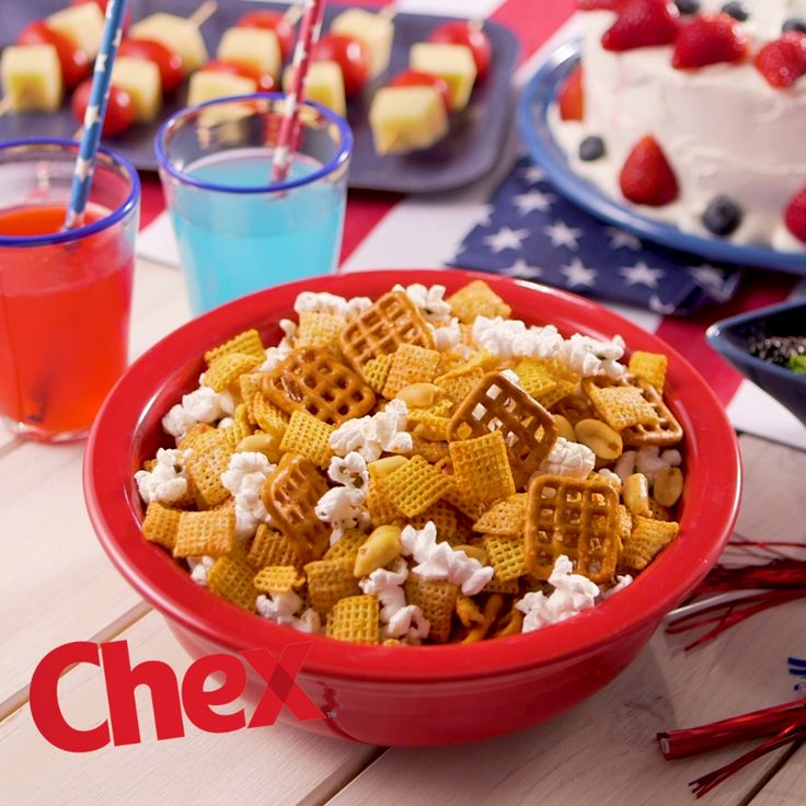 Move over chips and salsa, Honey-Sriracha Chex Party Mix is the new sweet and spicy treat for your 4th of July party this year. Made in just 15 minutes, this delicious snack is made with Chex Cereal, peanuts, pretzels, popcorn and the perfect combination of honey and sriracha. Honey-Sriracha Chex Party Mix is your 4th of July in the making.