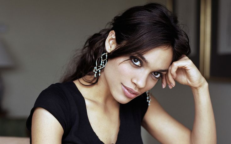 Rosario Dawson joins the cast of 'Daredevil' on NETFLIX