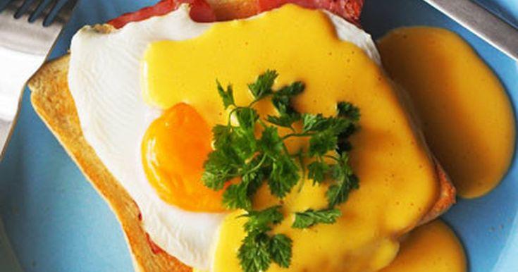 エッグベネディクトを忙しい朝食時でも作りやすいよう簡単にトーストでアレンジ!簡単なのにオシャレでカフェの味~♪