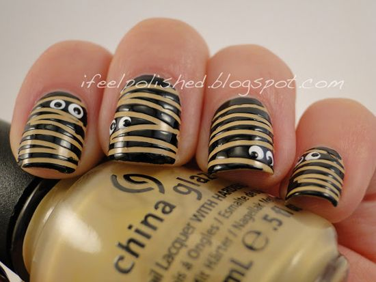 Mummies - 25 Fun Halloween Nail Art Ideas