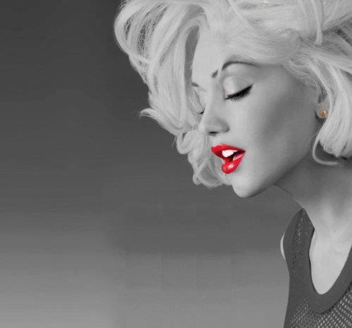 RED LIPS :)