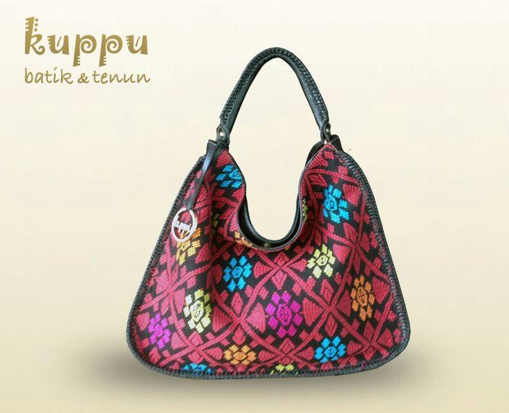 Rose Bali Hobo Bag - Songket www.kuppubatiktenun.com