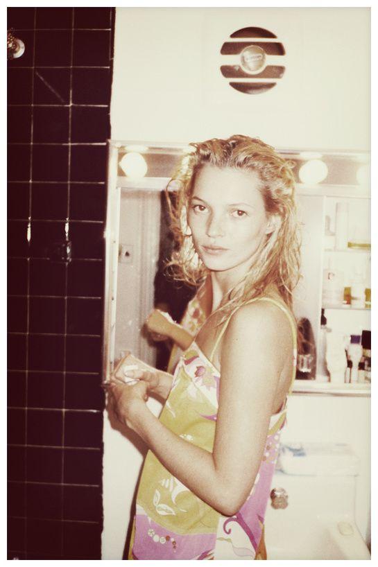 Kate Moss par Juergen Teller à l'Institute of Contemporary Arts http://www.vogue.fr/culture/le-guide-du-week-end/diaporama/les-meilleures-adresses-de-londres-2013/11830/image/699797