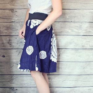 Lazy Day Free Skirt Pattern - learn how to sew a skirt form this free pattern tutorial! The high-waisted elastic band makes it a flattering fit for any lady.