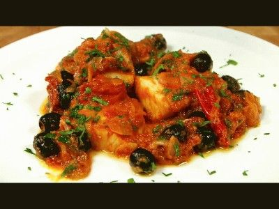 Baccalà in umido ricetta Napoletana deliziosa e facile da fare , la ricetta ha tutti i passaggi con le foto, quindi riesce a prepararla anche una persona a