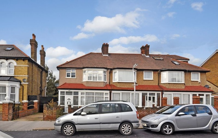 £285,000  3 Bedroom End Terrace House - Sandfield Road, Thornton Heath, Surrey, CR7 8AU Estate Agents