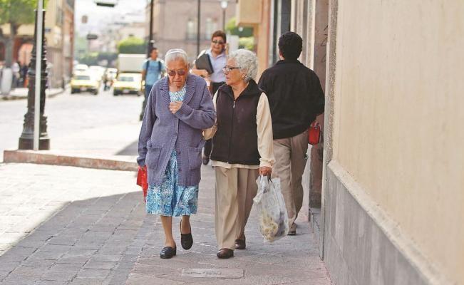 Un estudio realizado por los institutos nacionales de Geriatría y de Salud Pública reveló que en México existen veinticinco enfermedades principales que causan más años de mala salud