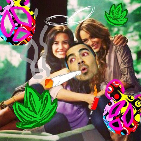 """Demi Lovato Celebrates 4/20 By Remembering Her First """"Blaze"""" With Joe Jonas And Miley Cyrus - T.V.S.T."""
