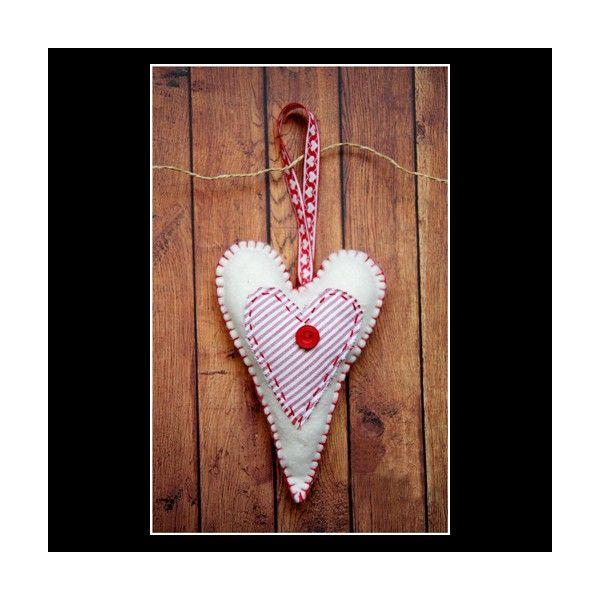 Inima din fetru perfecta pentru decorarea casei sau a bradului cu iubire de CraciunDiametrul aproximativ: 16cm.Pret/buc