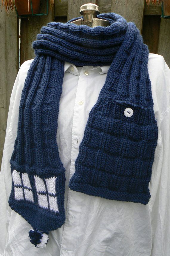 Possibly the cutest tardis scarf I've seen yet.