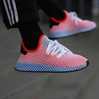 official photos 00f30 c6072 Adidas Deerupt Runner