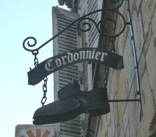 shoe repair in Haute-Marne, France