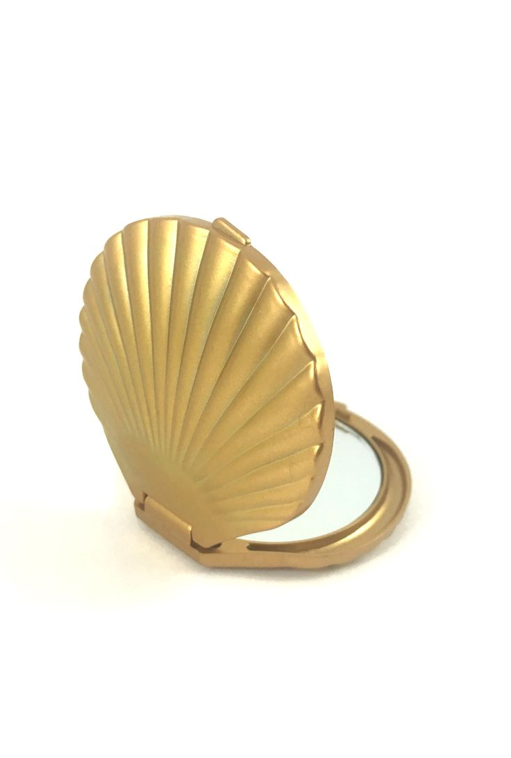 Seashell Compact Mirror | Sincerely Sweet™ | https://sincerelysweetboutique.com