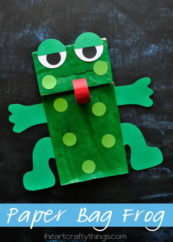 This Paper Bag Frog Puppet Kids Craft goes great with 5 Green and Speckled Frogs book or when learning about the letter F. from iheartcraftythings.com