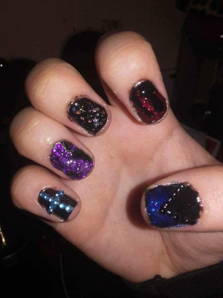 When I started doing Shellac #YingYang #Shellac #Nails #Blue #Purple #Red #Diamonds #Glitter #NailDesigns