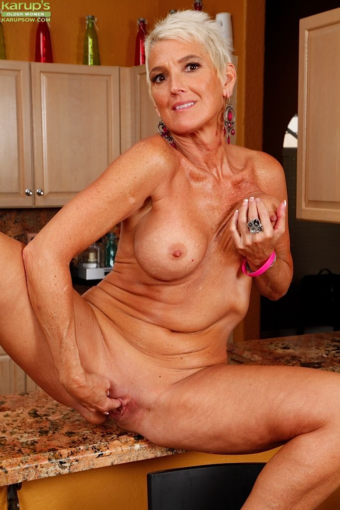 Free milfs over 50 porn movies