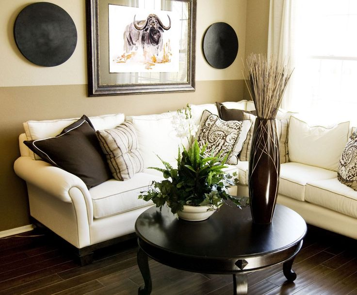 sectional w big round coffee table for small livingrooms