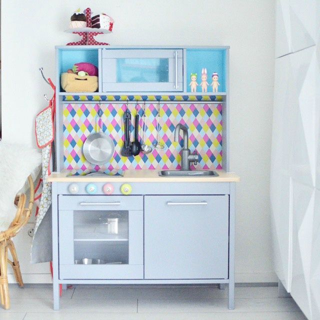 17 meilleures id es propos de ikea play kitchen sur pinterest relooking de cuisine ikea et. Black Bedroom Furniture Sets. Home Design Ideas