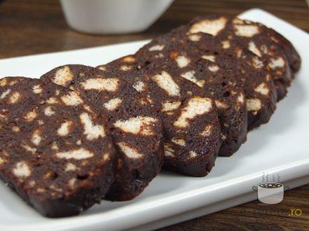 Salam de biscuiti. Imagini pas cu pas pentru salam de biscuiti