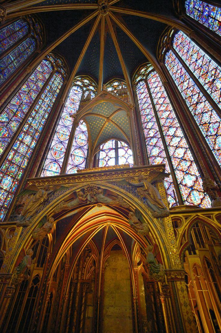 Sainte chapelle, Paris. Travel the World with Angelo Ferraris.