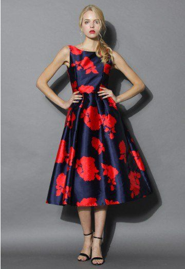This rose impression prom dress with its nautical navy and red color palette is such a swoon-worthy garment. Grace the next winter cocktail party in this spring-inspired beauty with an accompanying faux fur and heels. Shed the fur this spring and step out in ankle-strap sandals and upswept hair. - Dip low back - Lined - Concealed back zip closure - 100% polyester - Machine washable Size (cm) Length  Bust  Waist  S        120    84    68 M       120     88  …
