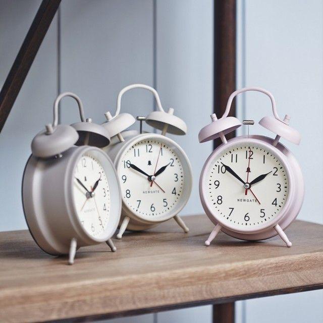 traditional-alarm-clocks.jpg