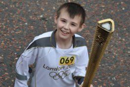 London Olympic Torch Bearer Who Fell But Continued Has Died - http://viralfeels.com/london-olympic-torch-bearer-who-fell-but-continued-has-died/