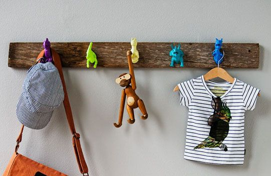 DECORATING WITH DINOS (spray paint toy animals and use as hooks)