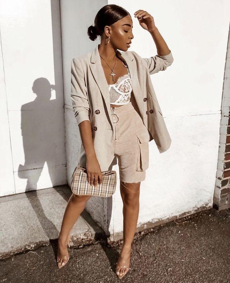 6 looks estilosos com as polêmicas bermudas femininas | Looks, Looks estilosos, Looks casuais femininos