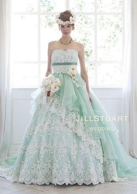 JILLSTUARTのグリーンドレスは繊細な刺繍が女性らしさをアップさせる♡刺繍がおしゃれなカラードレスまとめ一覧