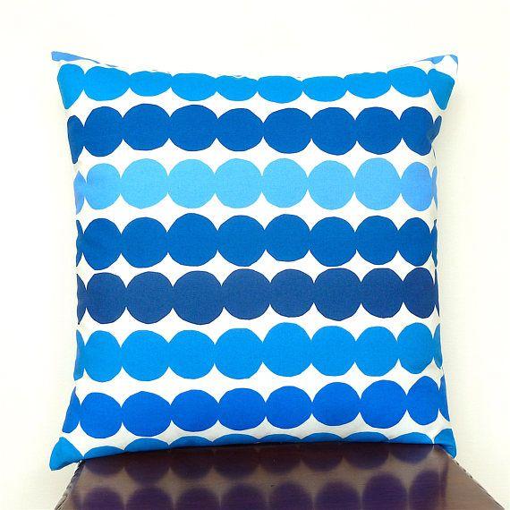 Scandinavian Pillow Cases : 25+ best ideas about Scandinavian cushion covers on Pinterest Scandinavian folk art, White ...