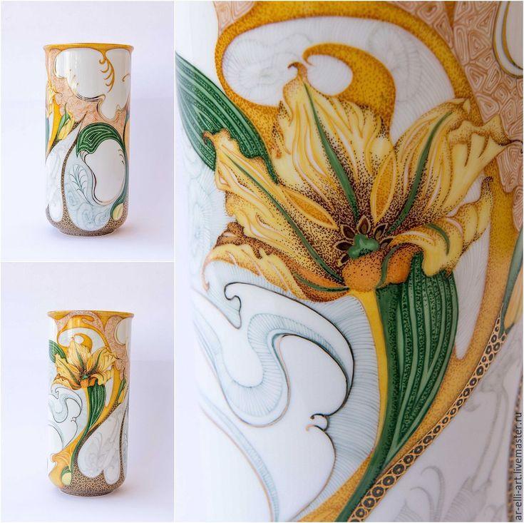 """Купить Фарфоровая ваза """"Желтый тюльпан"""" - желтый, авторская роспись, надглазурная роспись, роспись фарфора"""