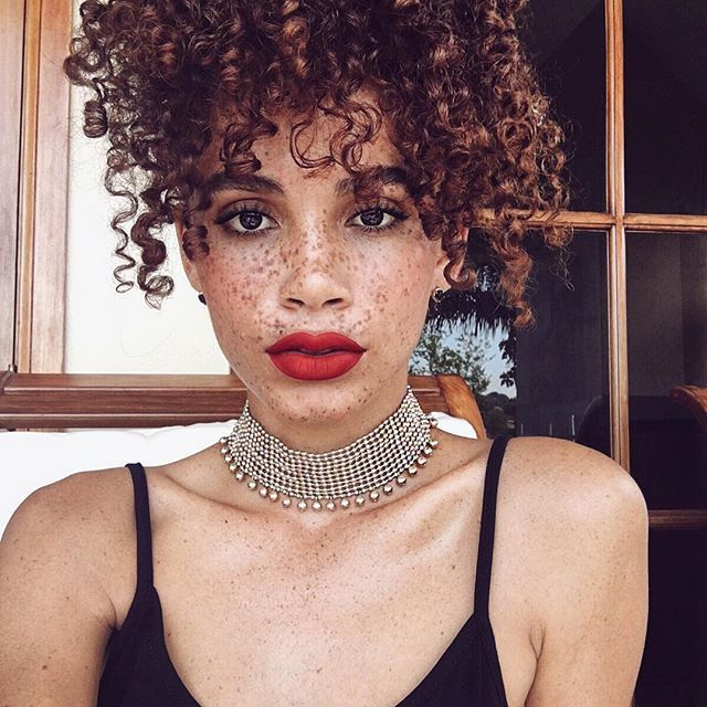 That girl with cinnamon #curls & #freckles. Joyjah is her name! ❤️ LIPS…