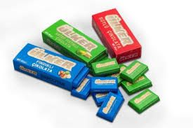 Kırmızı mavi veeeee yeşilll çikolataaaa