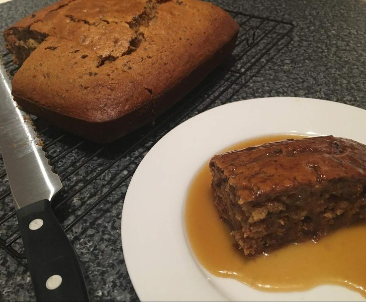 Recipe Sticky date cake with caramel sauce by ThermoBelle79 - Recipe of category Desserts & sweets