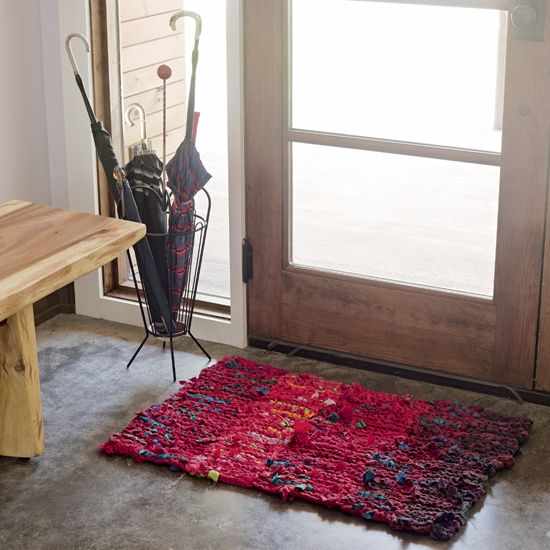 Creating a Homemade Tweed Red-Striped Rug - DIY - MOTHER EARTH NEWS