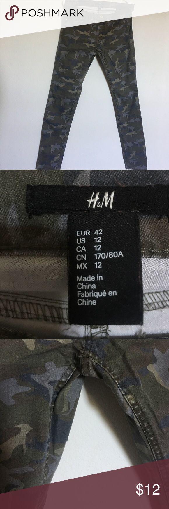 H&M Camo Skinny Pants. H&M camo skinny pants. Size 12. H&M Pants Skinny