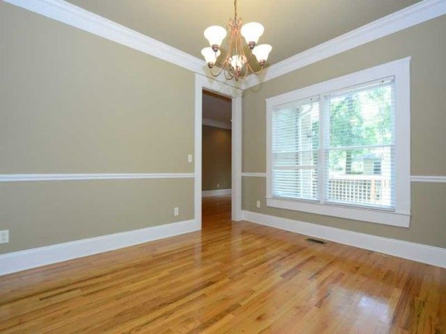 Room Remodeling Ideas With Molding And Wood Floor Style