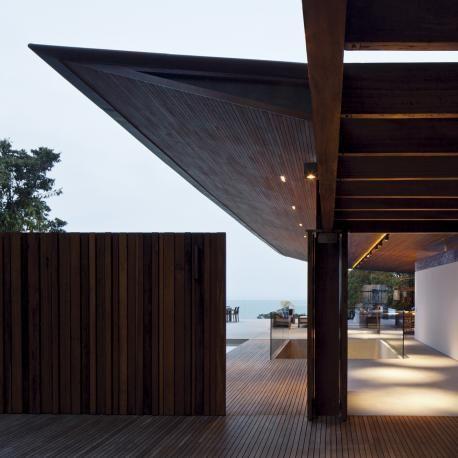 knife edge roof   RHG   Bernardes Arquitetura