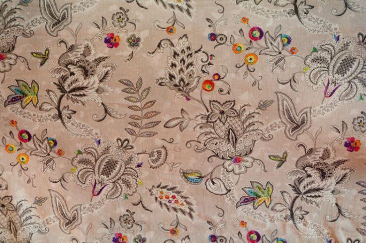 dekostoff blumen grundfarbe grau blumen multicolor stoffe blumen pinterest dirndl. Black Bedroom Furniture Sets. Home Design Ideas