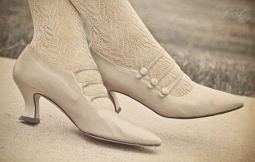 Old Edwardian shoes -- http://quietudeblog.blogspot.com/2011/07/edwardian-style-heels.html