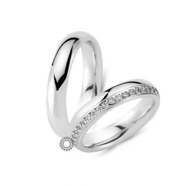 Κλασικές γαμήλιες βέρες CHRILIA 27 σε γυαλιστερό φινίρισμα με κυκλική διατομή, ψηλές και διαμάντια στα πλάγια | Κοσμηματοπωλείο ΤΣΑΛΔΑΡΗΣ στο Χαλάνδρι #βερες #γάμου #wedding #rings #Chrilia